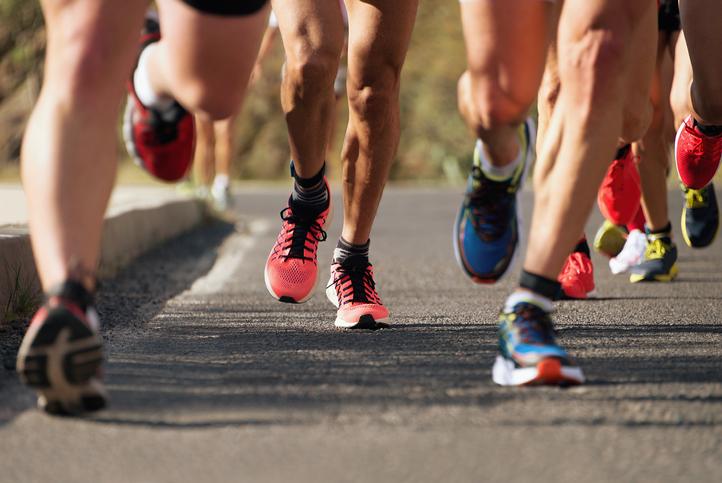 ¿Por qué son distintas las zapatillas de running de hombres y mujeres?